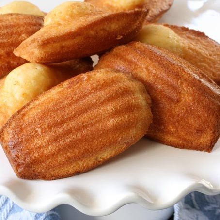 St Michel French Madeleines - 10 individually wrapped